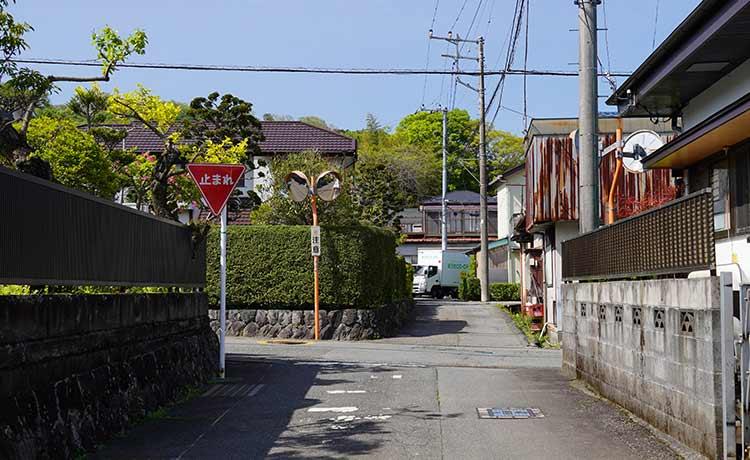 菅沼十字路